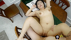 Model milf used as fuck toy...