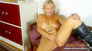 Horny pornstars scene...