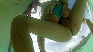 Hot underwater pool sex couple...
