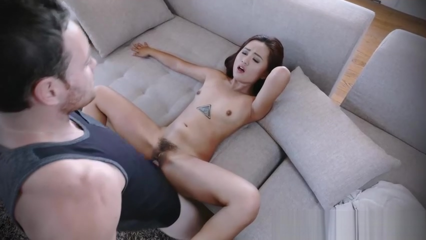Tiny thief Elle Voneva fucks two huge cocks