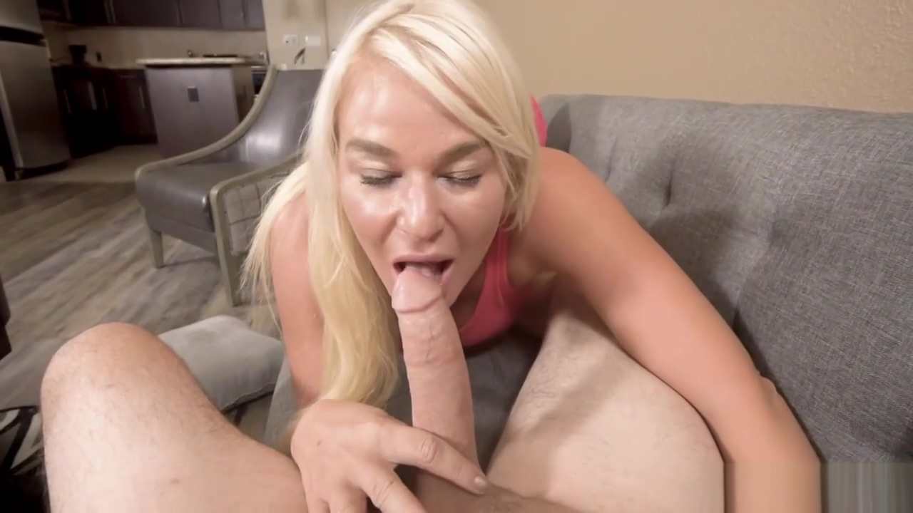 Ike Diezel romps her step mom London Rivers aged pussy from behind doggystyle