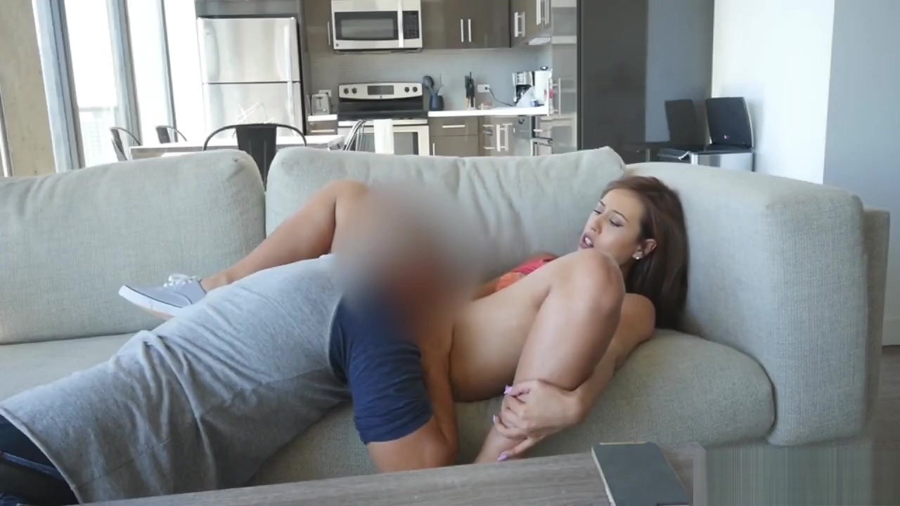 Step Sis Demi Lopez Gets Cunt Eaten On Couch