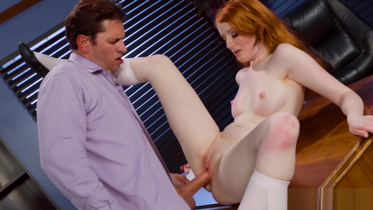 College Krystal Orchid spreads her pussy for grades