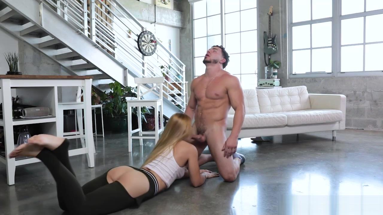Peter Green lets Sloan Harper rides her sweet twat
