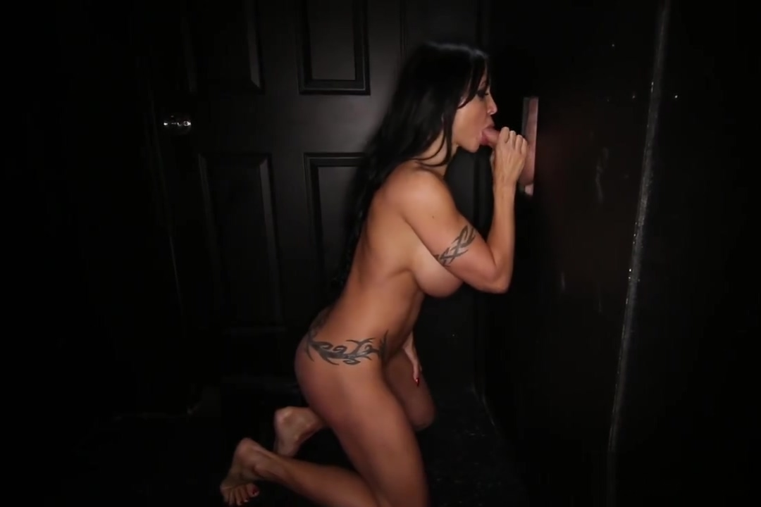 Gloryhole Secrets Jewels Jade giving blowjobs and swallowing cum 4