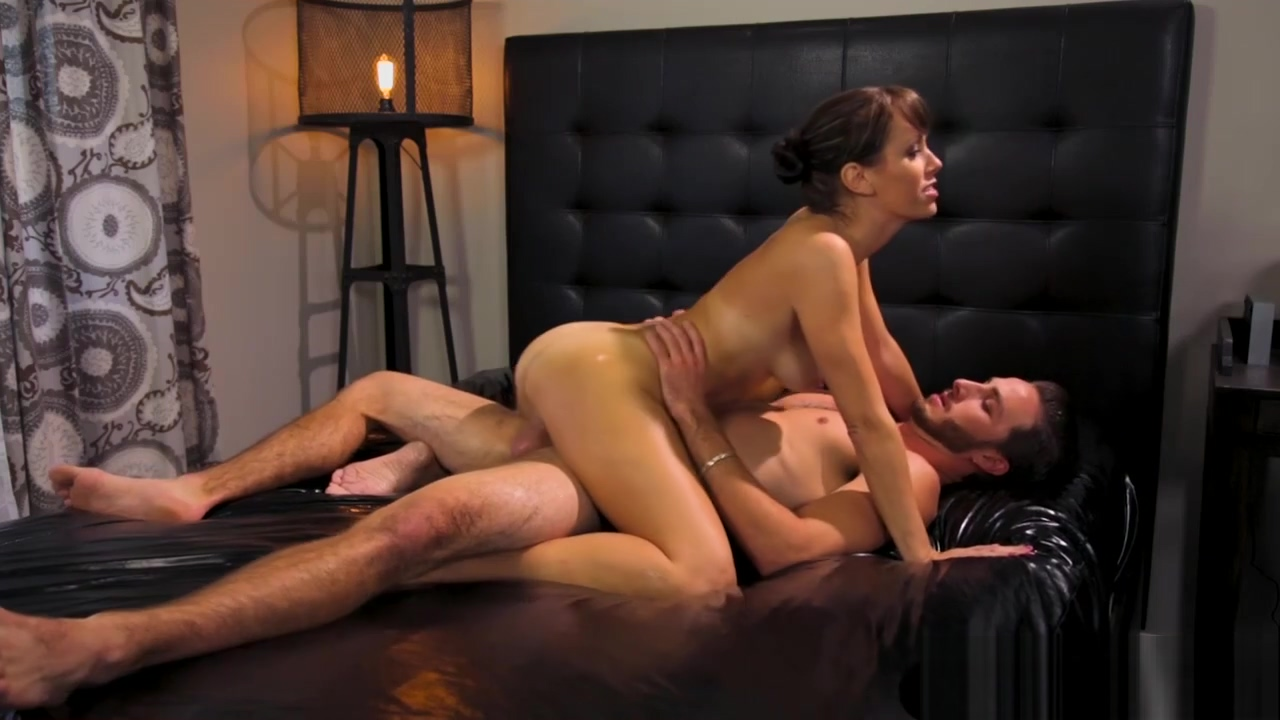 Lusty masseuse Alana Cruise gets fucked by hunky dude