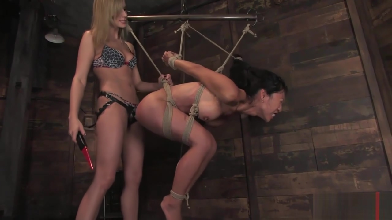 Tia Ling and Madeline enjoy lesbian actions