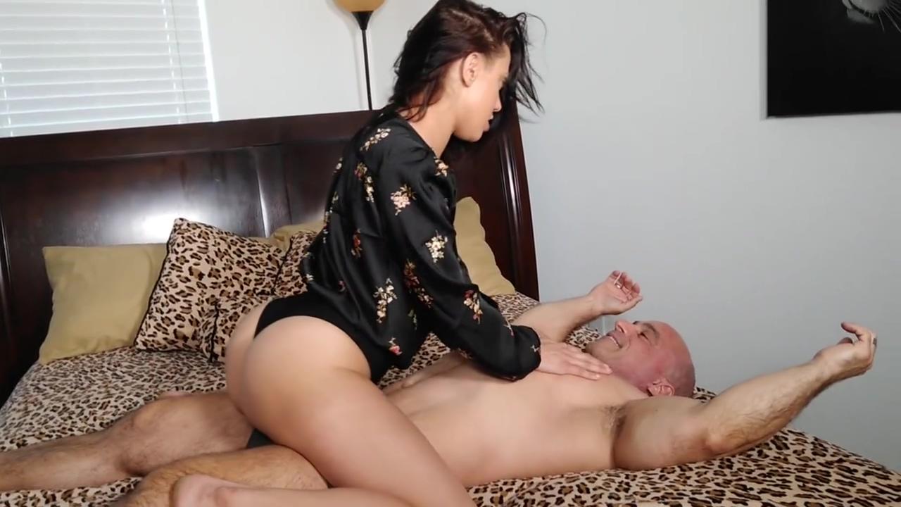 Maria Jade makes me cum in my pants