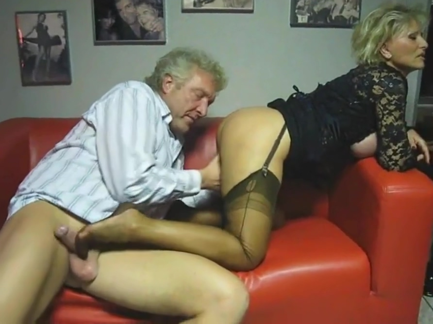 Fully Fashioned Nylon Stockings Worship And Sperm On Soles