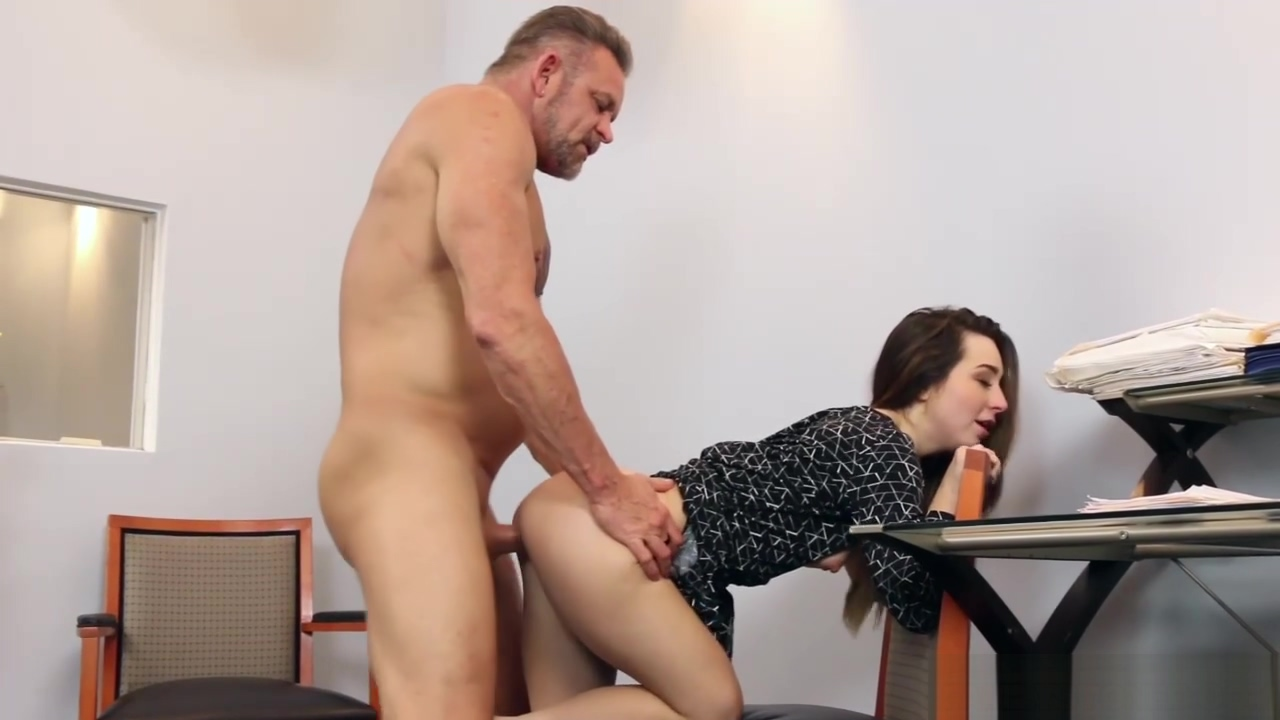 Father Fucks Bambi Brooks Wide Spread Pussy In The Office