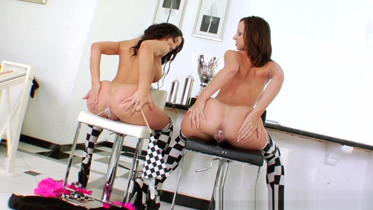 Amy Brooke Gives Milk Facial To Jayda Stevens