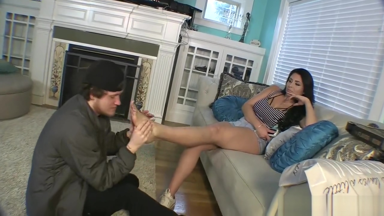Pizza boy feet humiliation by most beautiful Goddess jasmine mendez