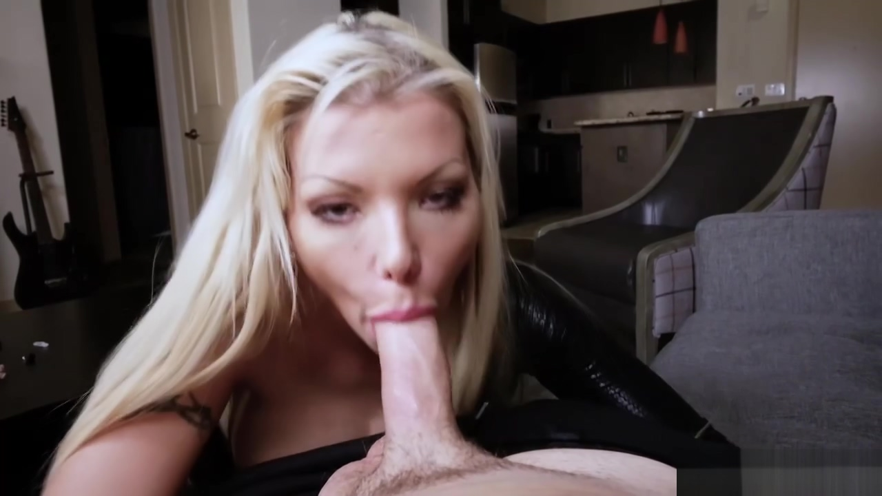 Barbie Sins Wraps Her Fingers And Suck