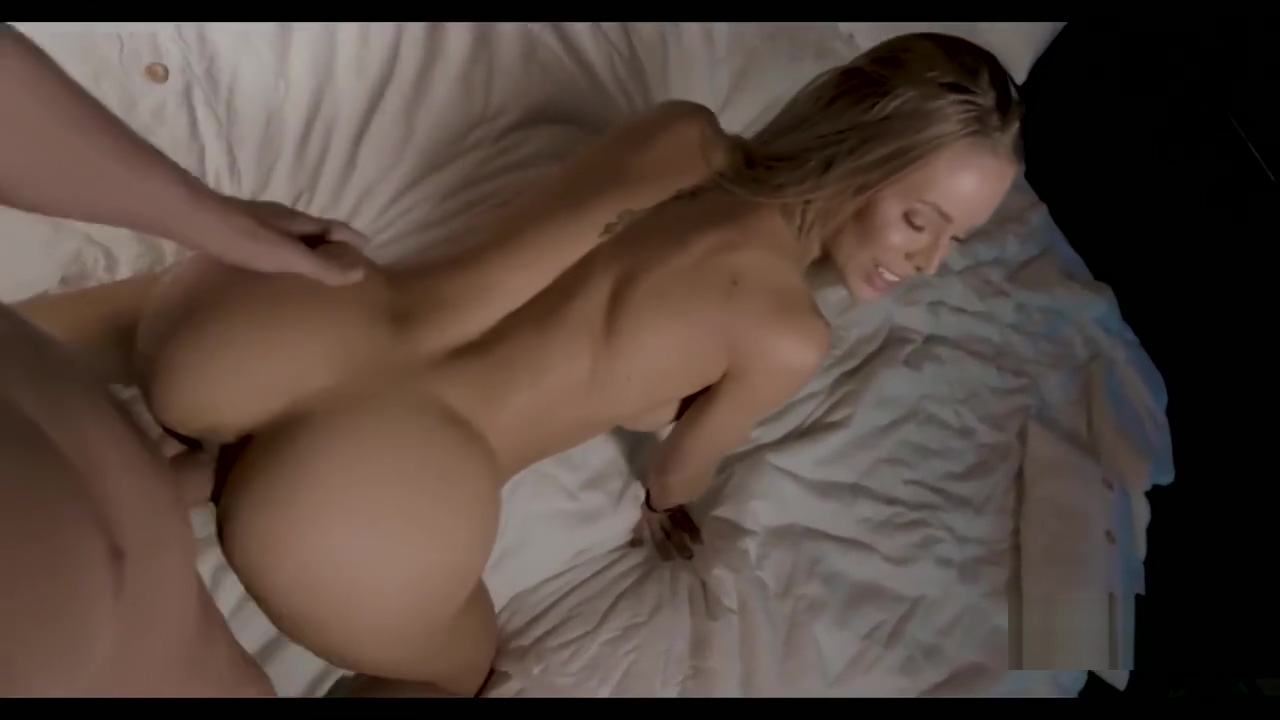 A Day With Nicole Aniston