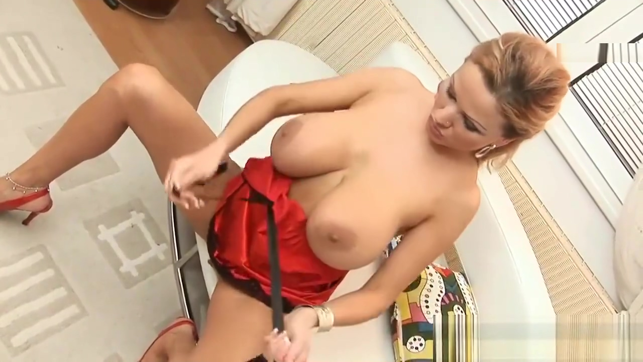 Big Boob Babe Uses Her Favorite Toy