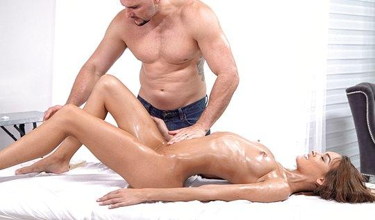 Slim In Oil Loves Anal Hardcore Which Has An Orgasm