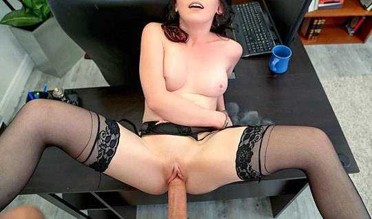An Office Lady In Stockings Gets A Bj To A Colleague And Planted