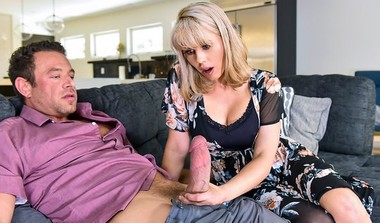 Housewife Amber Chase Cumshot Jumping On Long Dick Young Lover