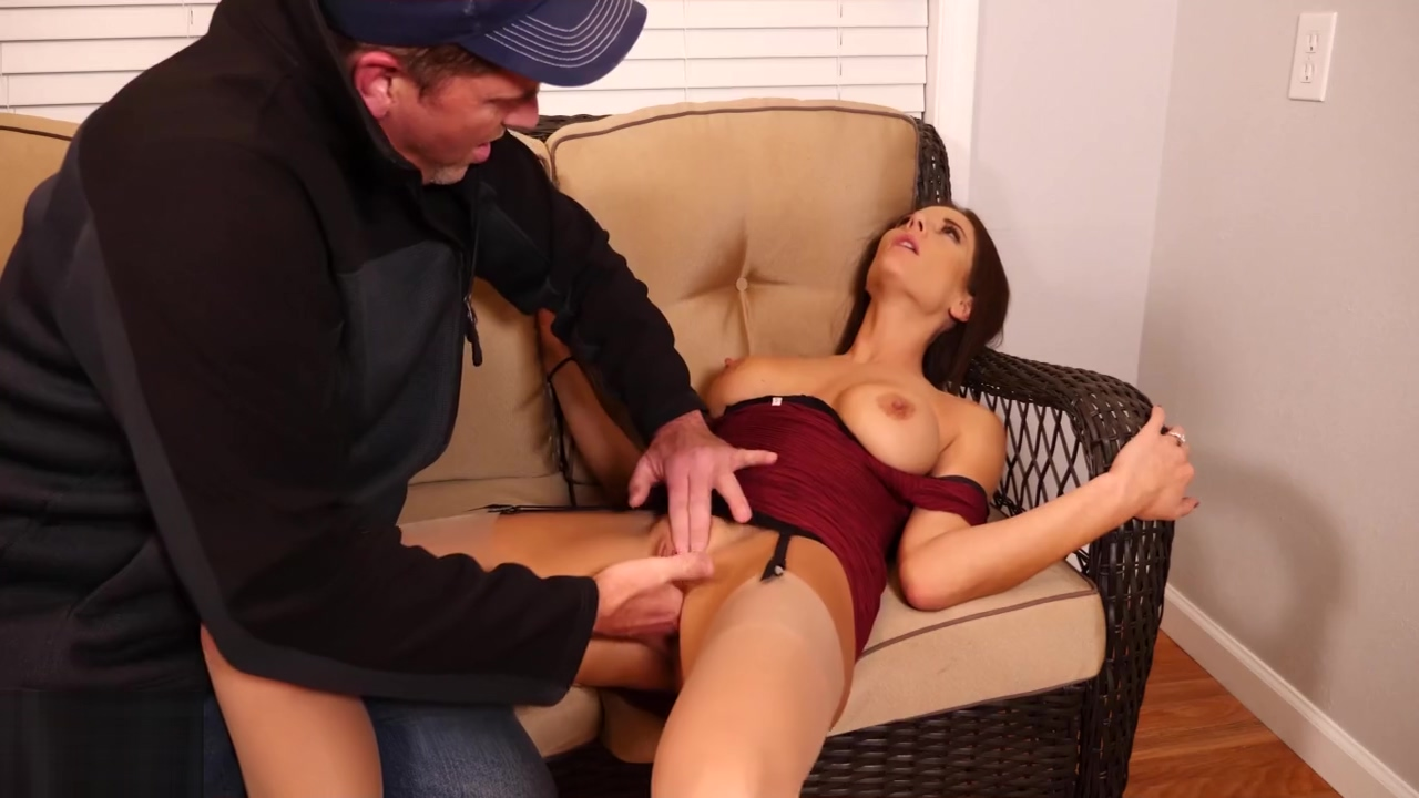 HD Hot Desperate Housewife MILF Loses Rent Money pt.1 Mandy Flores