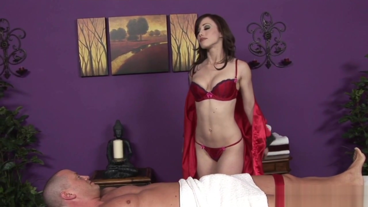 Horny Babe Gives Massage Along With Cumshot