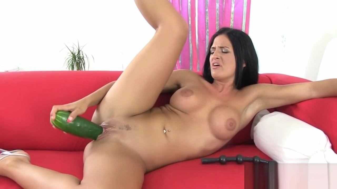 Sexy Babe Masturbating Hard With Dildos