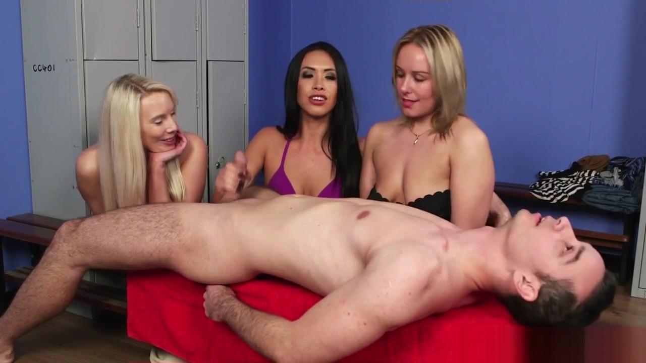 Cfnm Babes In Bikini Sucking Hard Penis