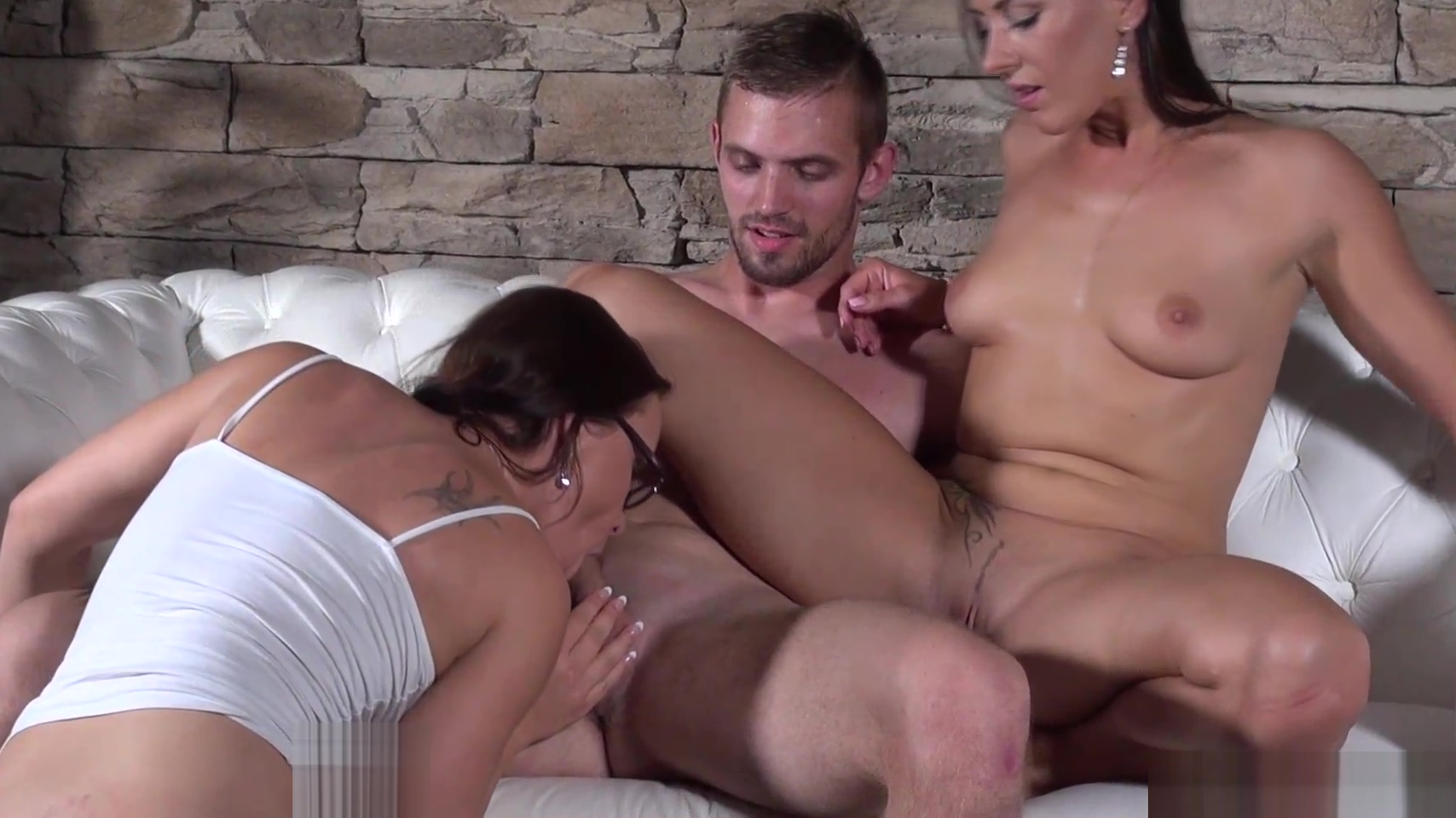 Good Looking Guy Fails To Cum For Hotties Mea Melone And Wendy Moon