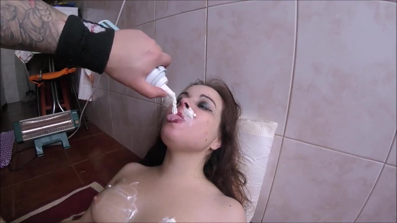 Teen Slutty Has Her Whole Body Filled With Whipped Cream And All Licked