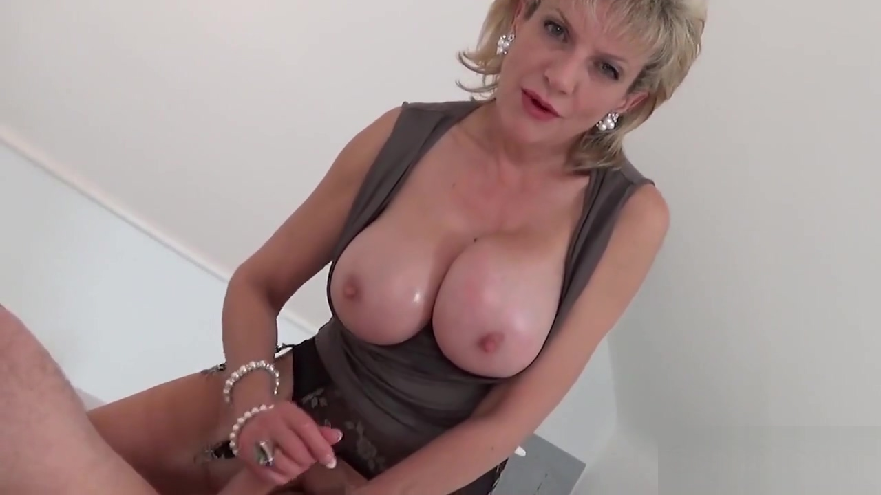 Adulterous Euro Milf Gill Ellis Showcases Her Enormous Naturals