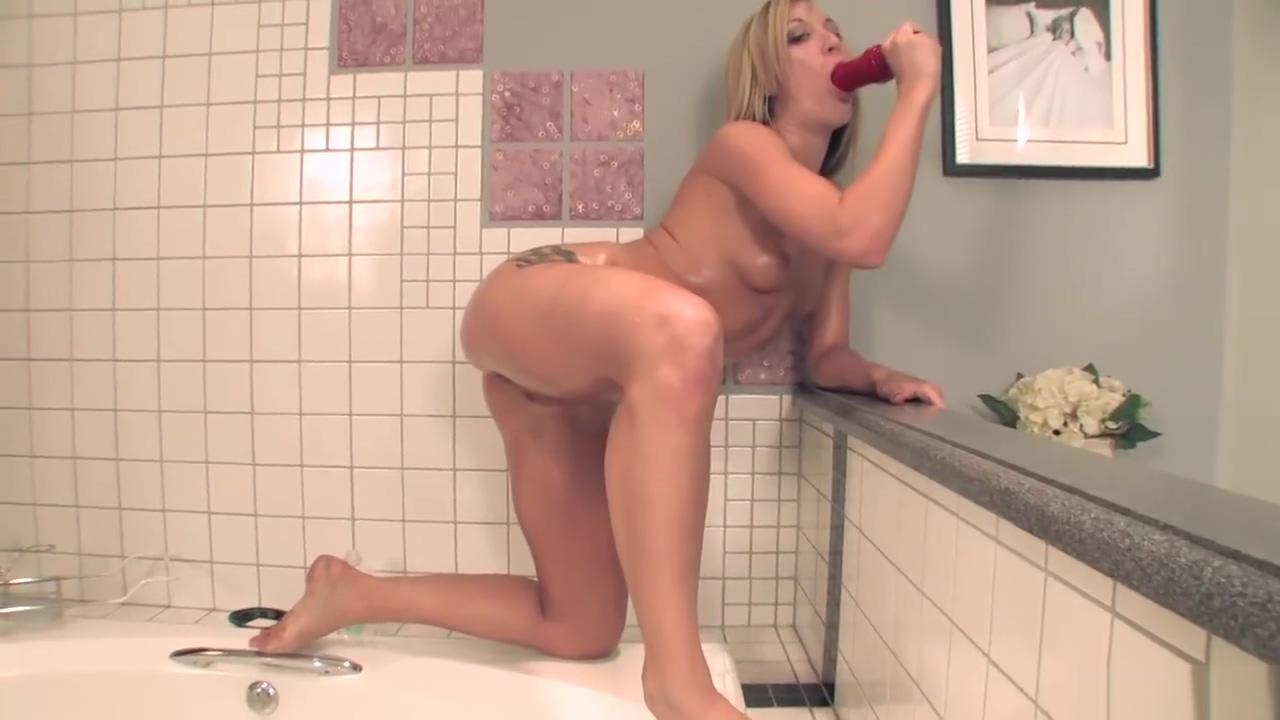 Amy Brooke Bubble Booty