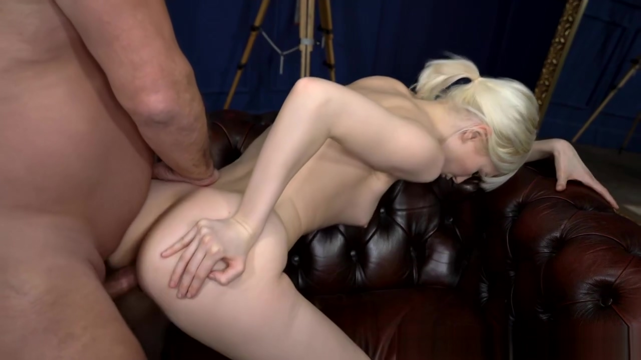 Delivery Slut Miss Melissa Offers Her Cunt To A Dom