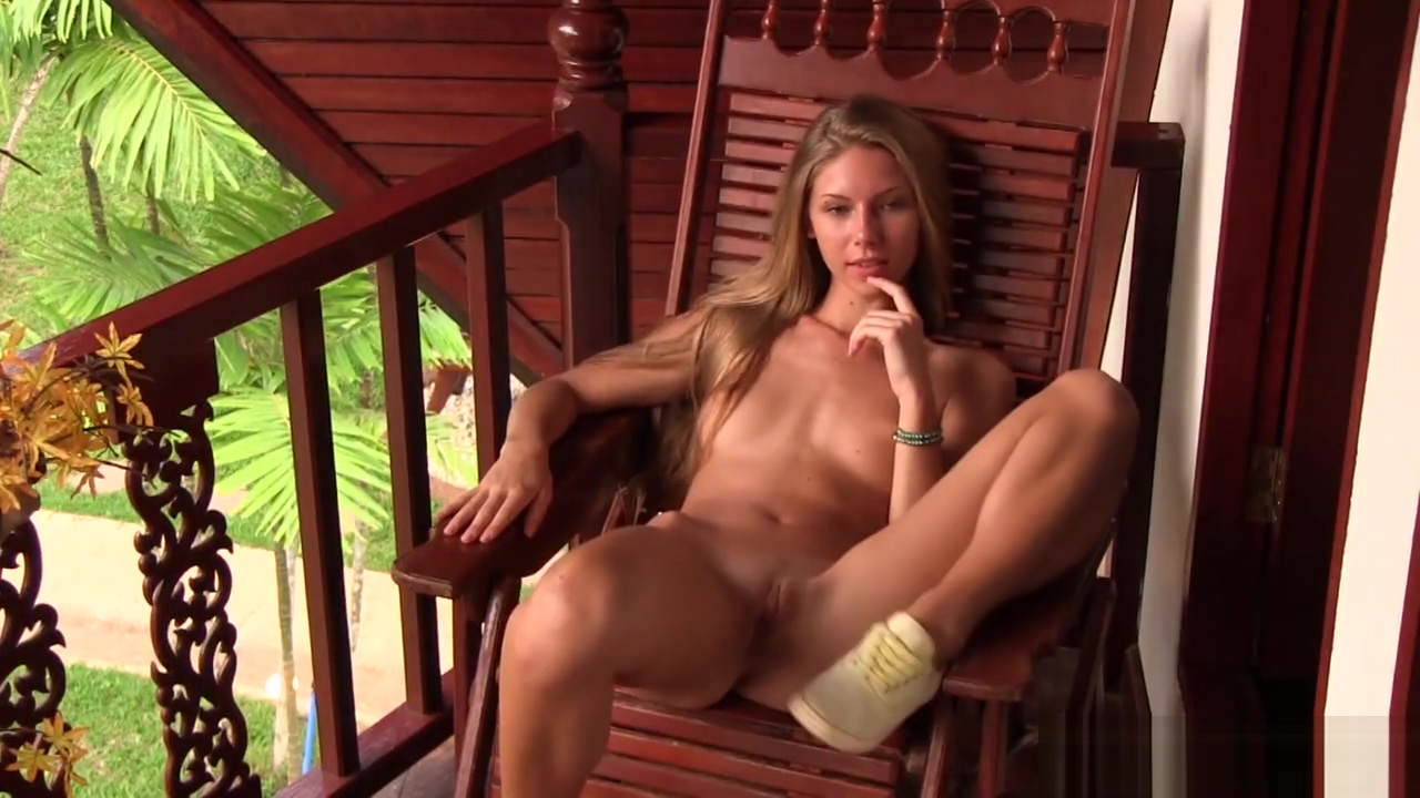 Pornstar Magnificent Tanned Blonde Anjelica Poses Naked To Me For A Photo