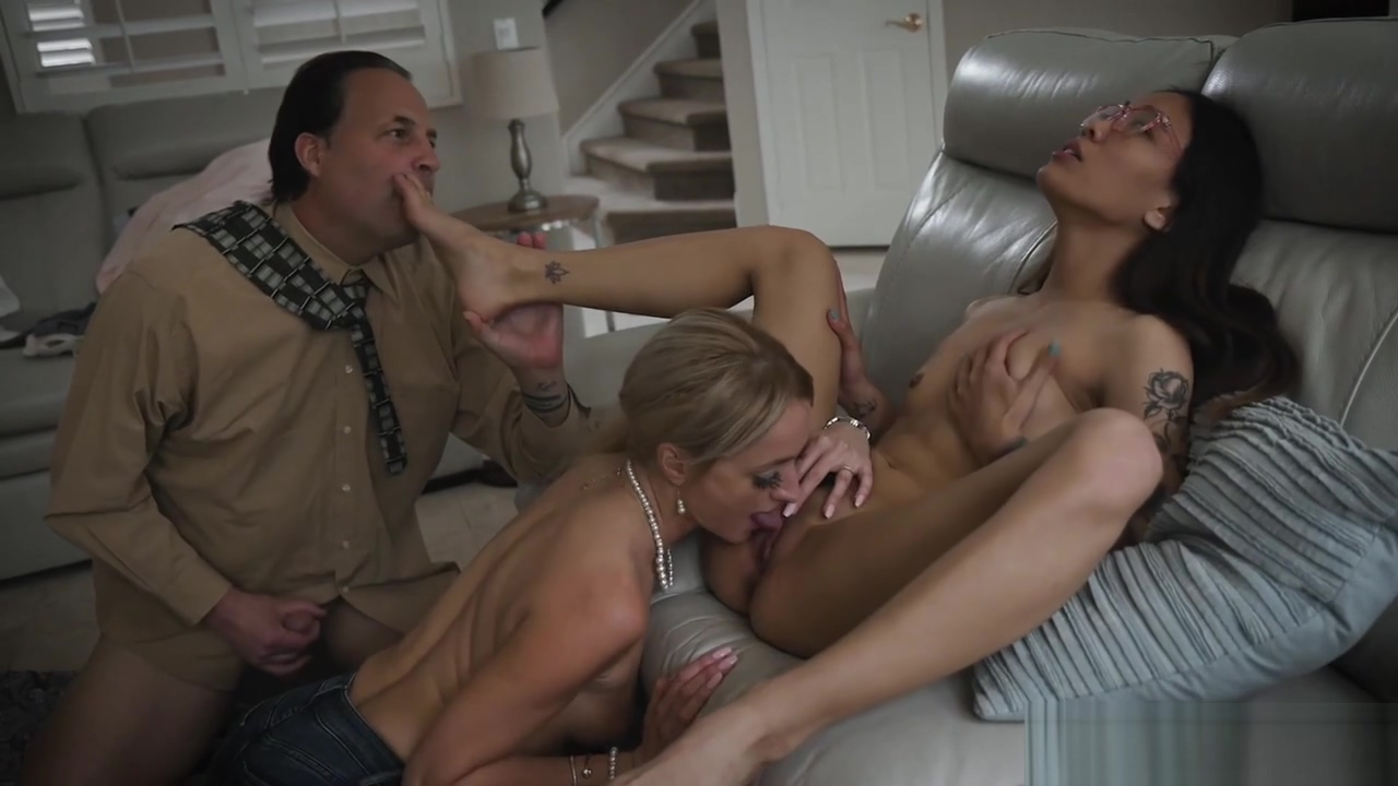 Foster Mother Commands Asian Young To Suck Her Stepdads Rod
