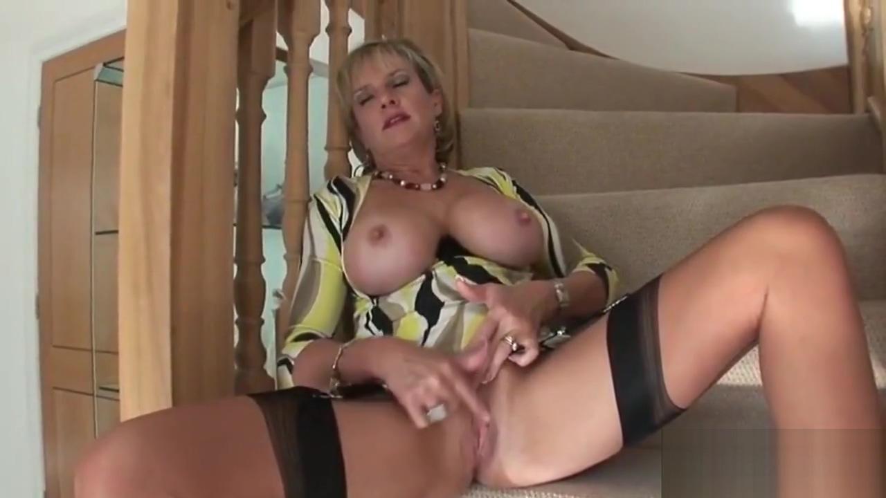 Cheating English Milf Gill Ellis Flaunts Her Gigantic Boobs