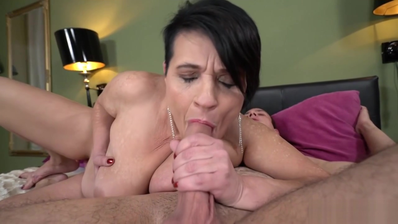Dolly Bee Gets A Hard Wang In Her Gaping Pussy