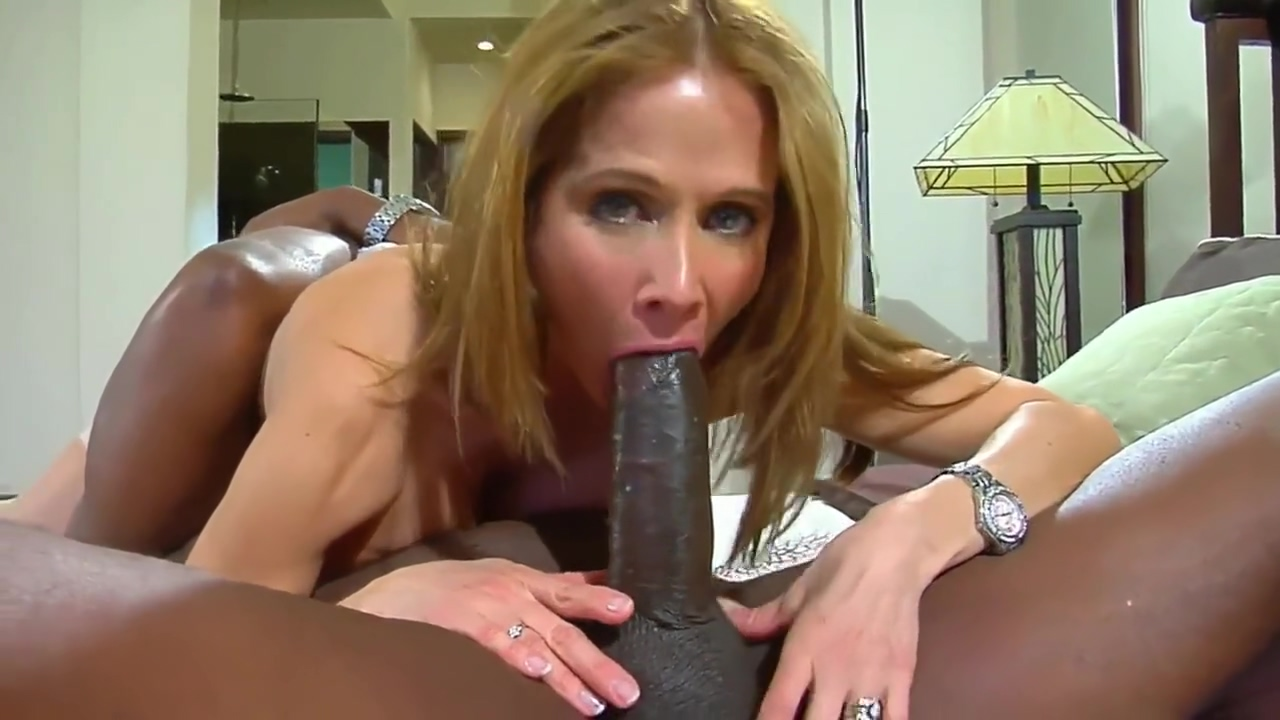 Magnificent Lady Mommy Fuck Her Black Lover