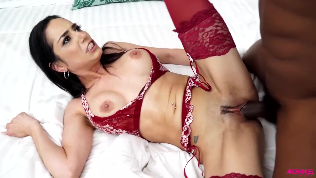 Horny Black Dude Is Fucking Tia Cyrus Better Than Her Fiancee Every Once In A While