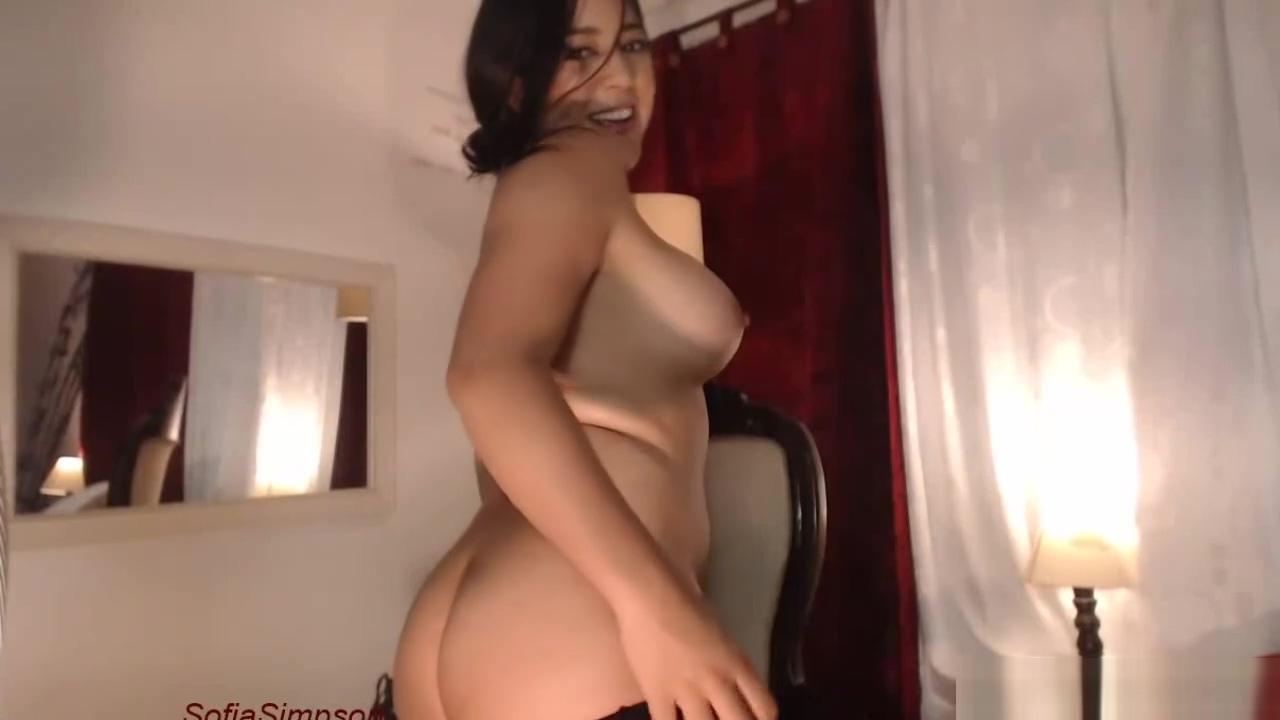 Busty Webcam Girl Fucking Black Toy