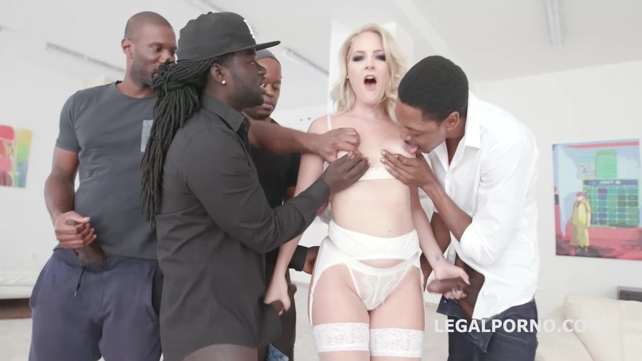 After a blowjob, a kinky blonde babe, Lisey Sweet is getting warm cum all over her face