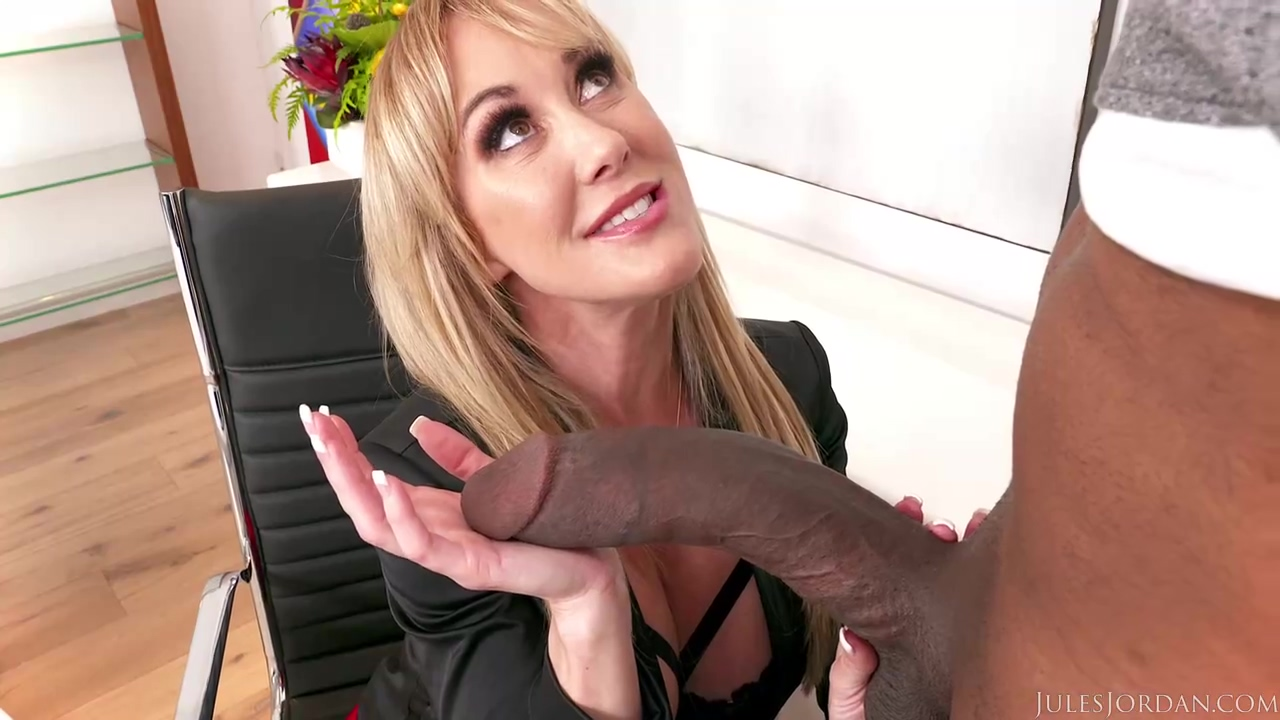 Experienced Blonde Cougar Brandi Love Is Giving A Blowjob To Beofre Riding His Dick