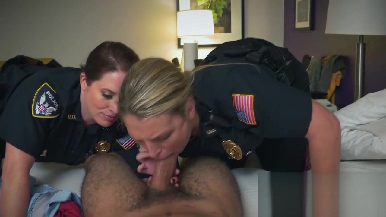 White Ass Licking For A Sexy Great Titty Mature By A Bbc Suspect At Hotel Room