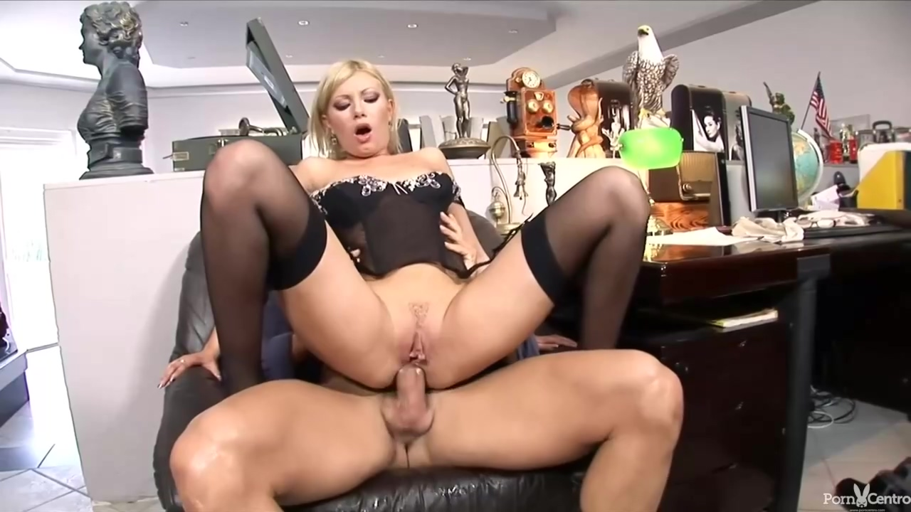 Donna Bell Is A Slutty Blonde Secretary Who Likes To Get Assfucked Even At Work