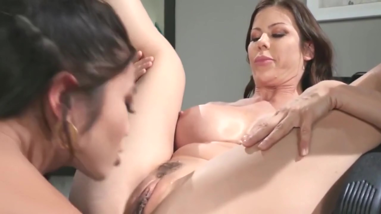 Mommys Lick Teens Alexis Fawx Vina Sky He Can Wait In