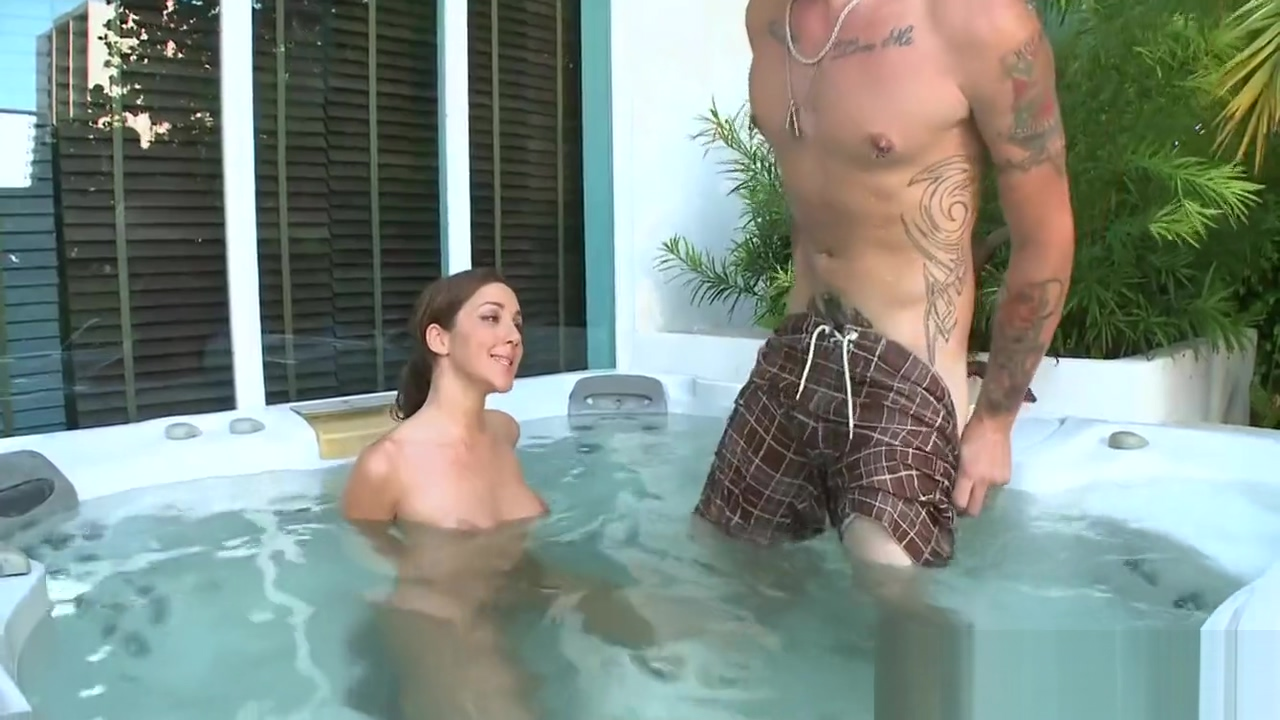 Kinky Kiera King With Large Natural Breasts Enjoys Every Bit