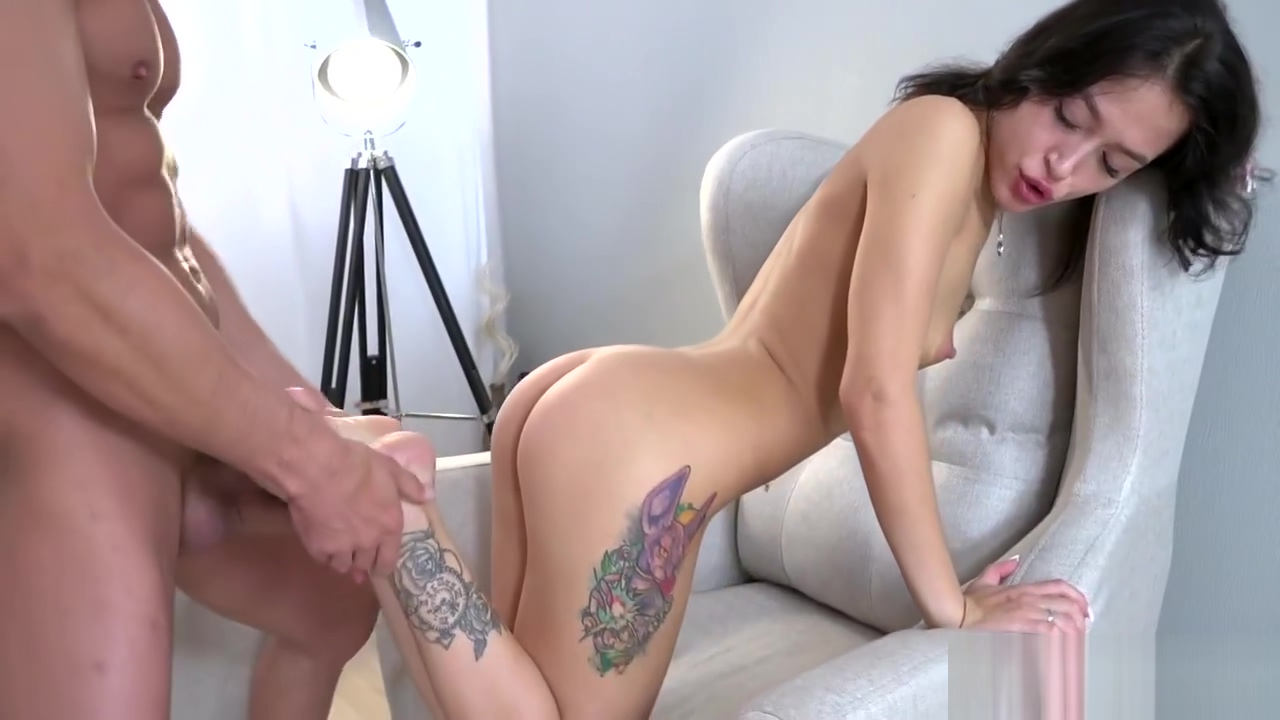 Kinky Babe Sucking And Riding Dick