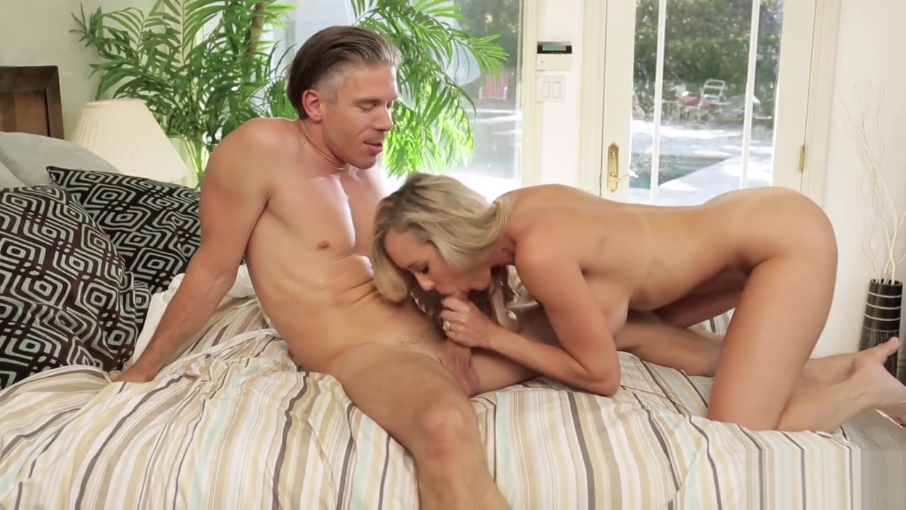 Big Titted Mature Housewifes Morning Quickie With Her Lover