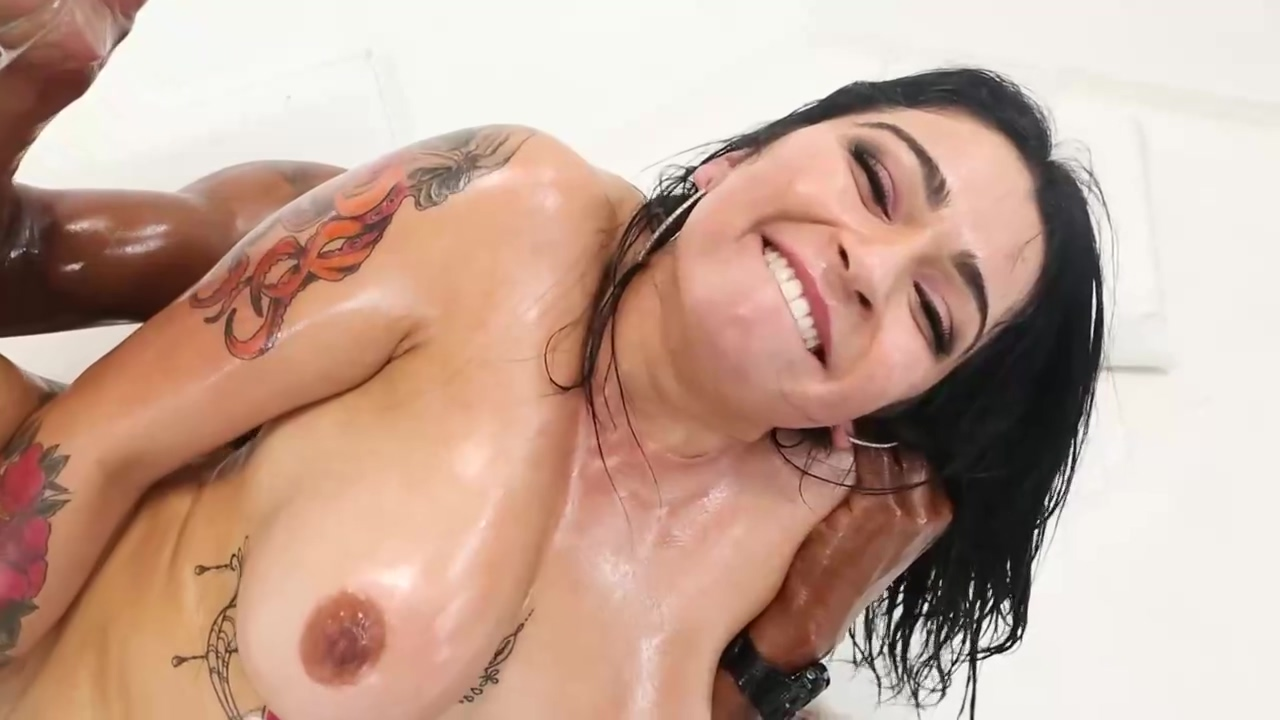 Carolina Cortez Is Having Wild Xxx With Isiah Maxwell And Moaning From Pleasure During An Orgasm