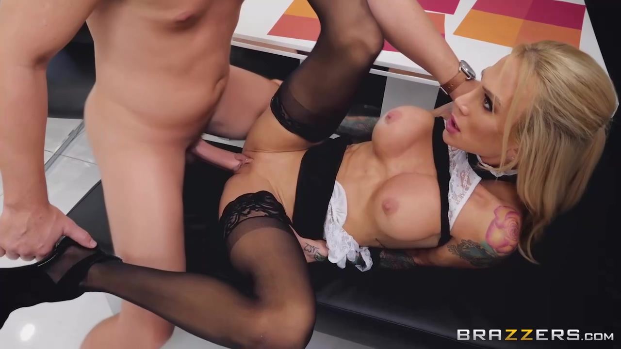 Tattooed Blonde Woman With Huge Firm Breasts Sarah Jessie Likes To Experience An Orgasm Per Day