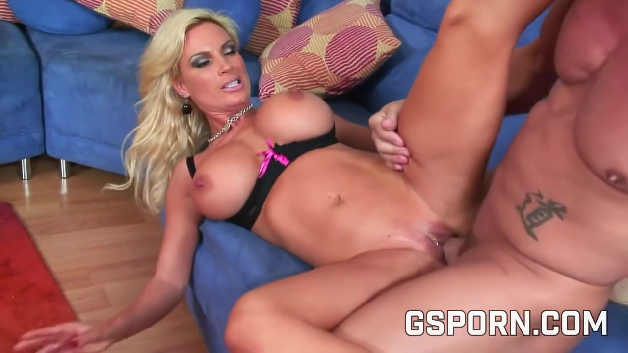 Jewels Jade is a big titted woman who never says no to a casual fuck