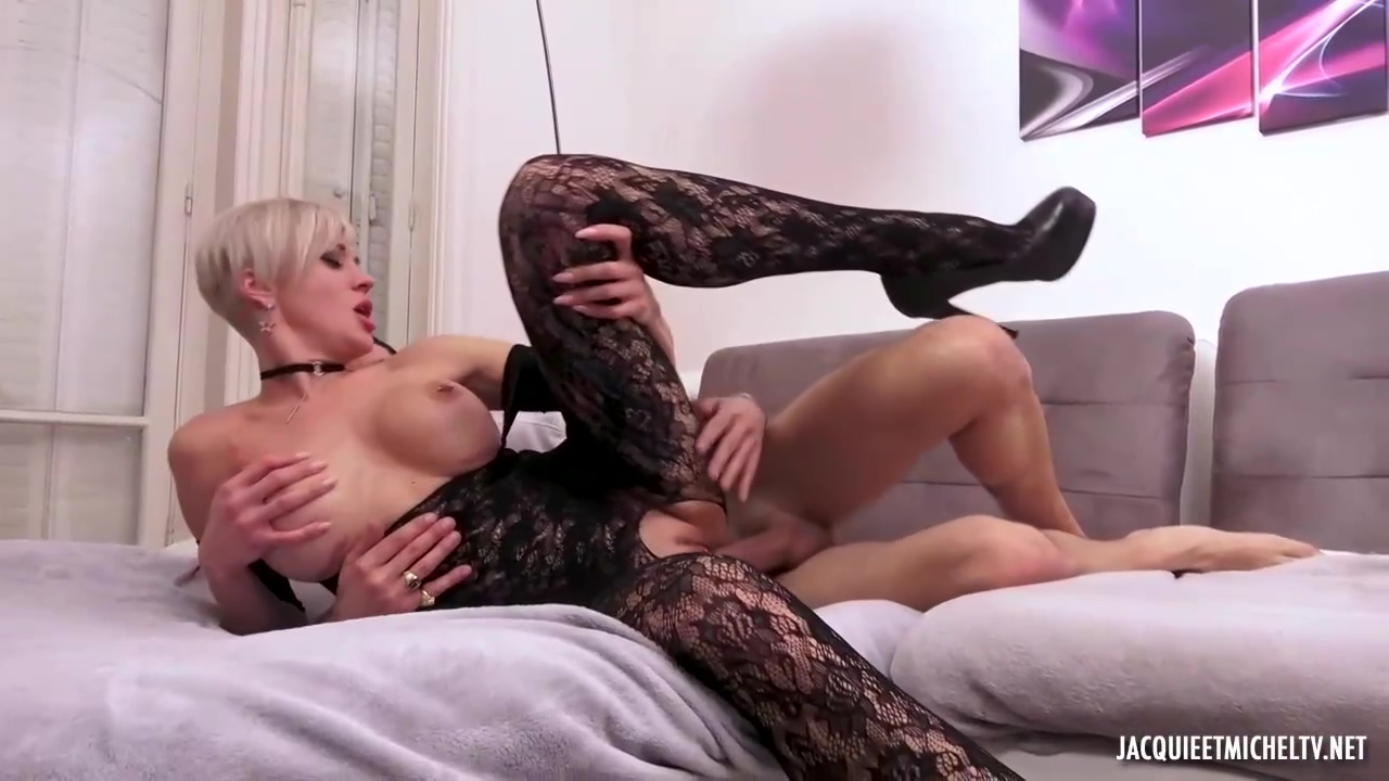Tammy Is A Seductive Blonde Mature Who Likes To Put On Seductive Clothes And Fuck Her Lover